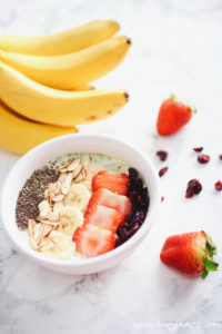 5 min Matcha Yogurt Bowl - Roxy James